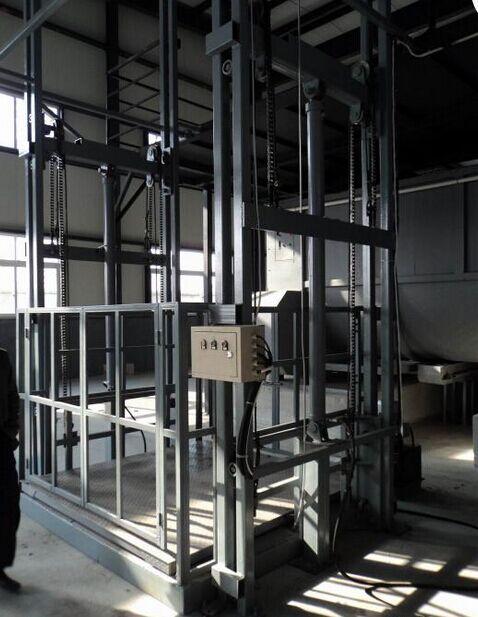 <b>大吨位导轨式升降机升降货梯厂家直供价格优惠</b>