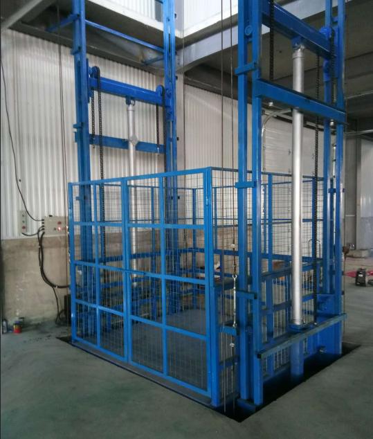 仓库升降货梯二层导轨式